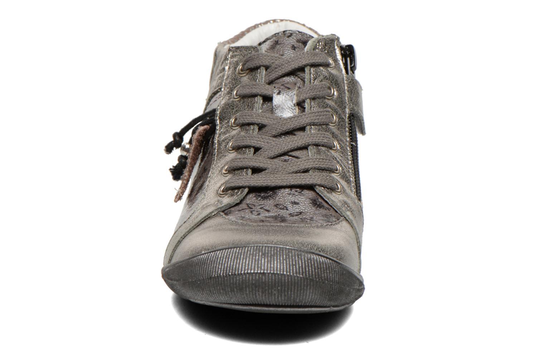Sneaker GBB Lulu grau schuhe getragen