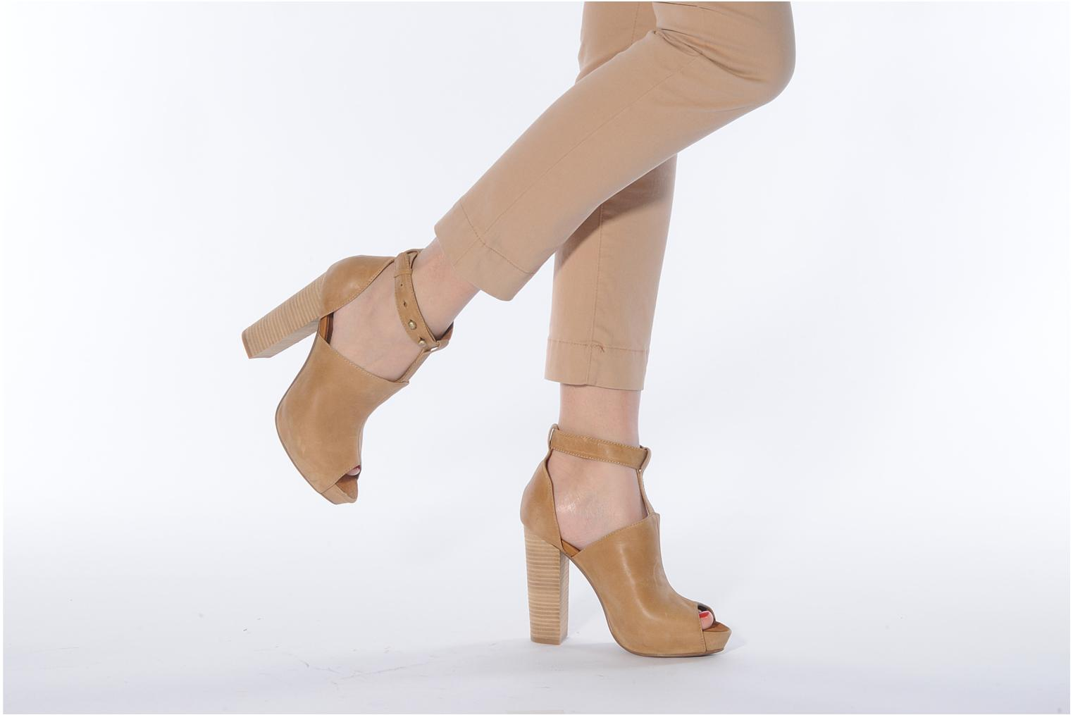 Sandals Friis & company Valerie Beige view from underneath / model view