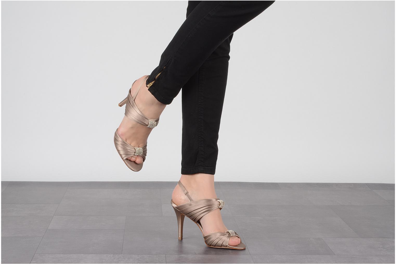 Sandales et nu-pieds Miezko Rebecca Beige vue bas / vue portée sac