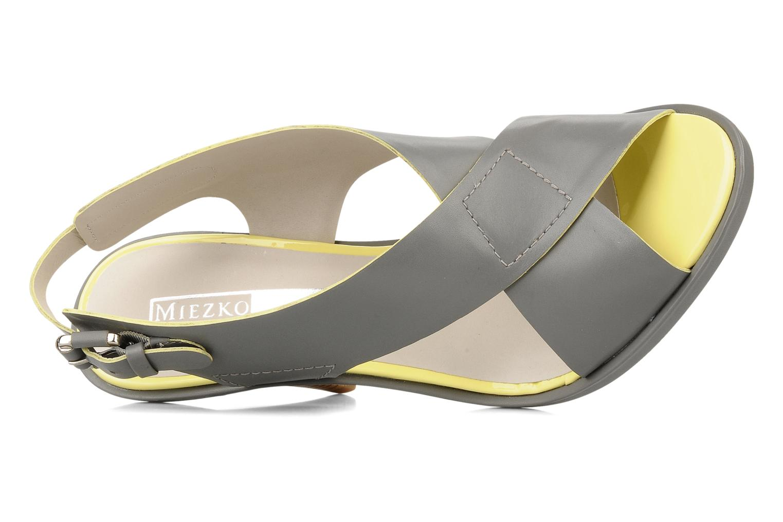 Sandali e scarpe aperte Miezko Hugalia Marrone immagine sinistra