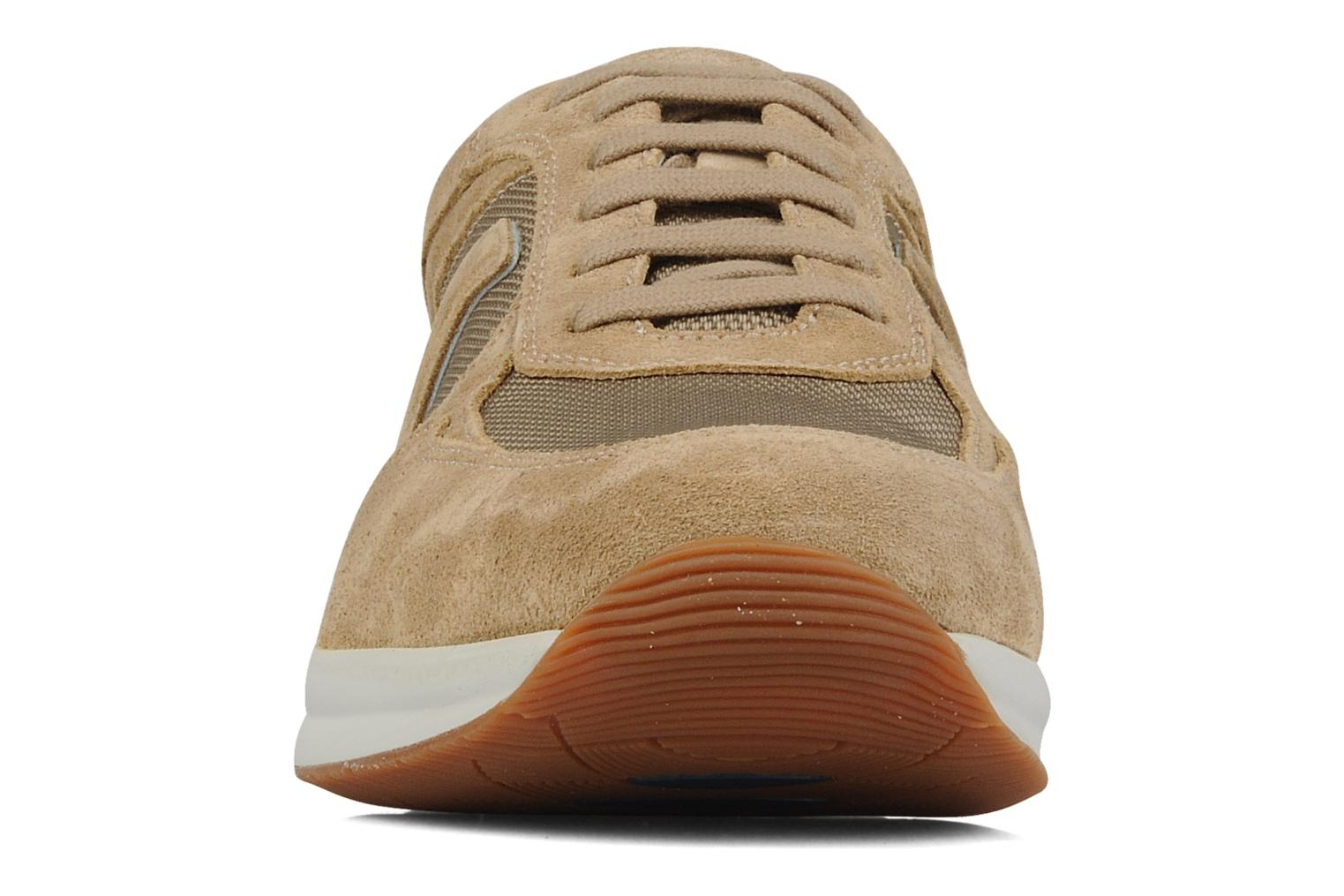 Baskets Stonefly Vision man 2 Beige vue portées chaussures