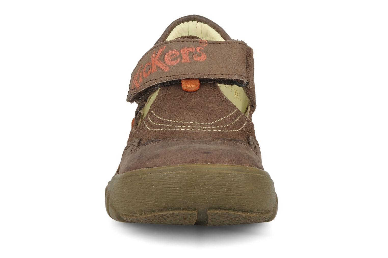 Sandales et nu-pieds Kickers Racky Marron vue portées chaussures