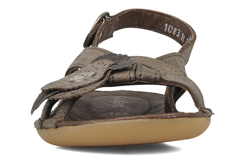 Sandales et nu-pieds Kickers Expedito Marron vue portées chaussures