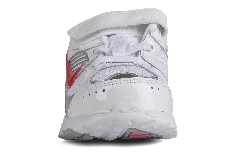 Sport shoes Nike Dart 8 gtv White model view