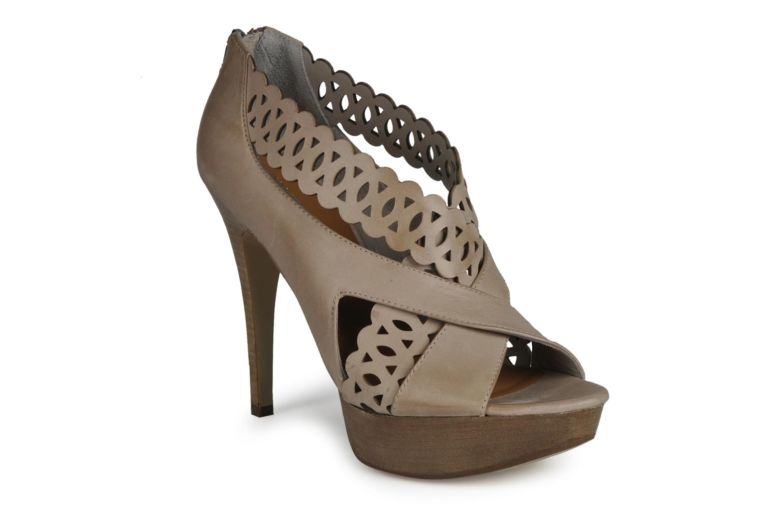 Sandals Guess Ost Beige detailed view/ Pair view