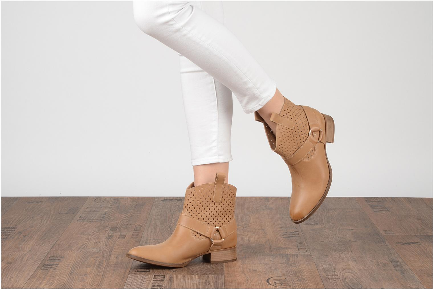 Ankle boots San Marina Alems Beige view from underneath / model view