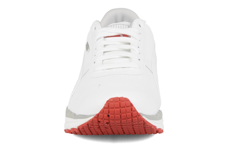 Chaussures de sport Puma Bodytrain leather Blanc vue portées chaussures