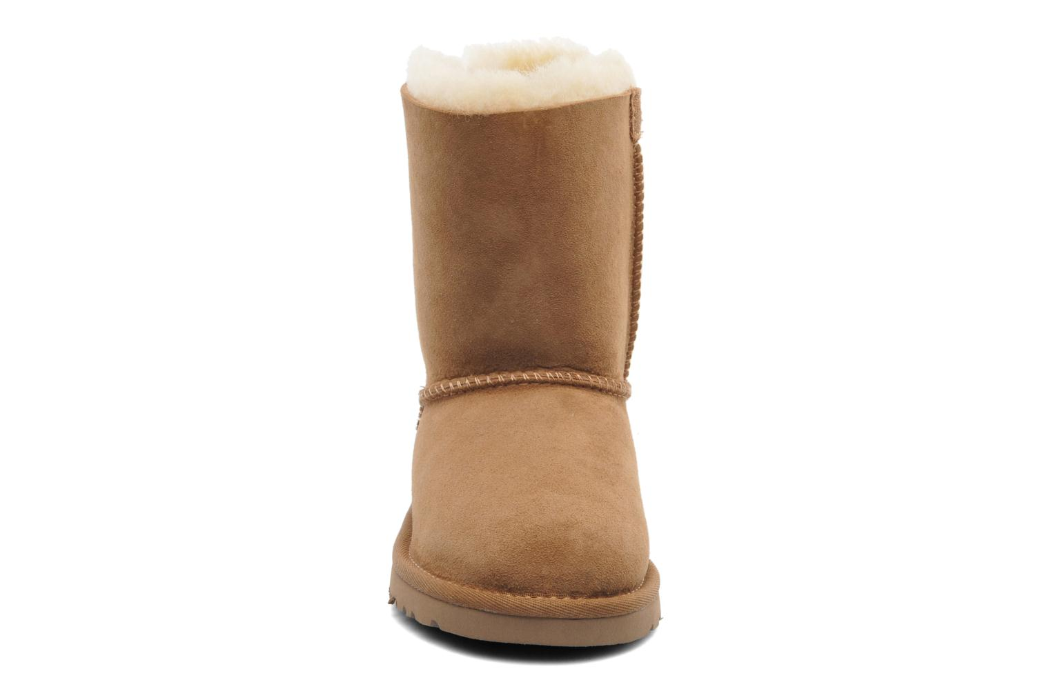 Bottes UGG Bailey bow Marron vue portées chaussures