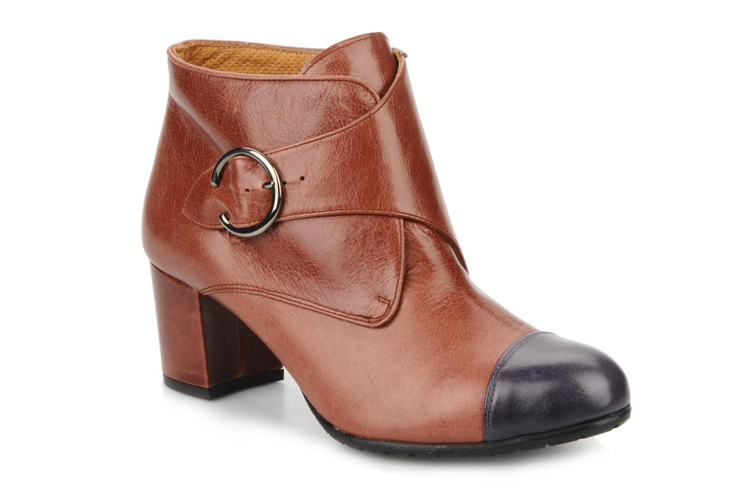 Ankle boots Maloles Anette Brown detailed view/ Pair view
