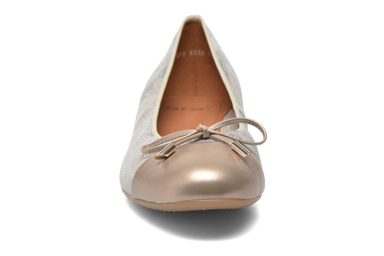 Ballerines Ara Bari Or et bronze vue portées chaussures