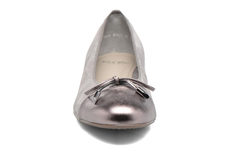 Ballerines Ara Bari Gris vue portées chaussures