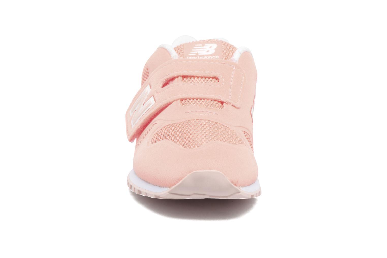 Baskets New Balance Ka373 Rose vue portées chaussures