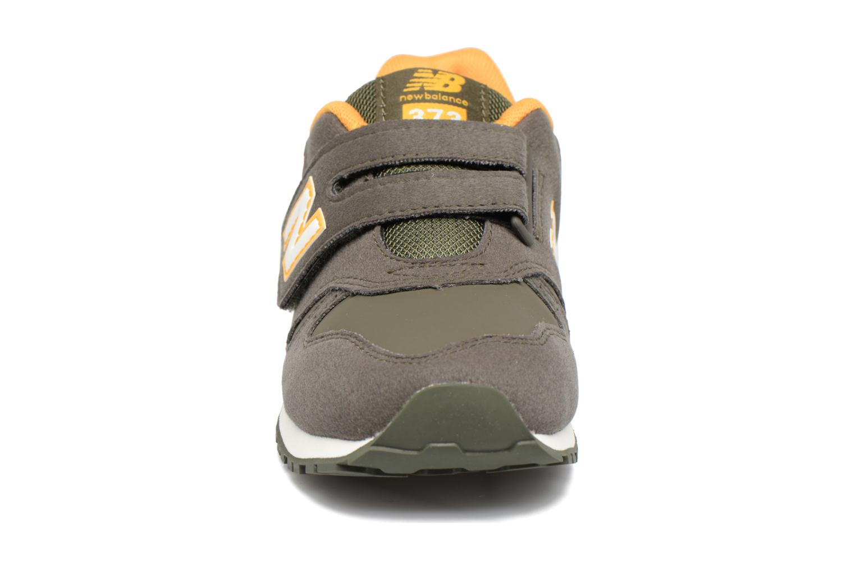 Baskets New Balance Kv373 Vert vue portées chaussures