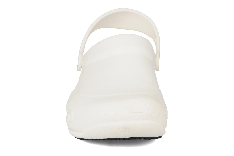 Sandales et nu-pieds Crocs Bistro m Blanc vue portées chaussures