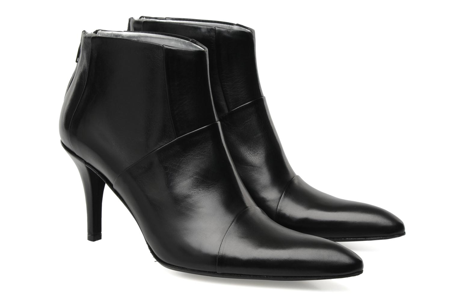 Ankle boots Free Lance Jaspe 7 low zip boot Black 3/4 view