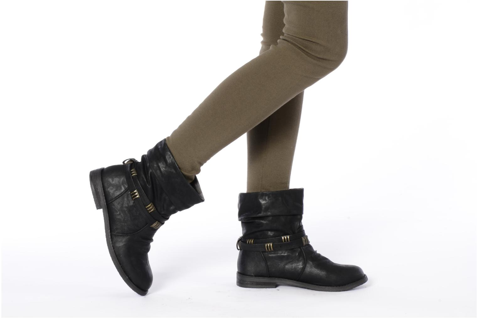 Ankle boots Blowfish Texas Black view from underneath / model view