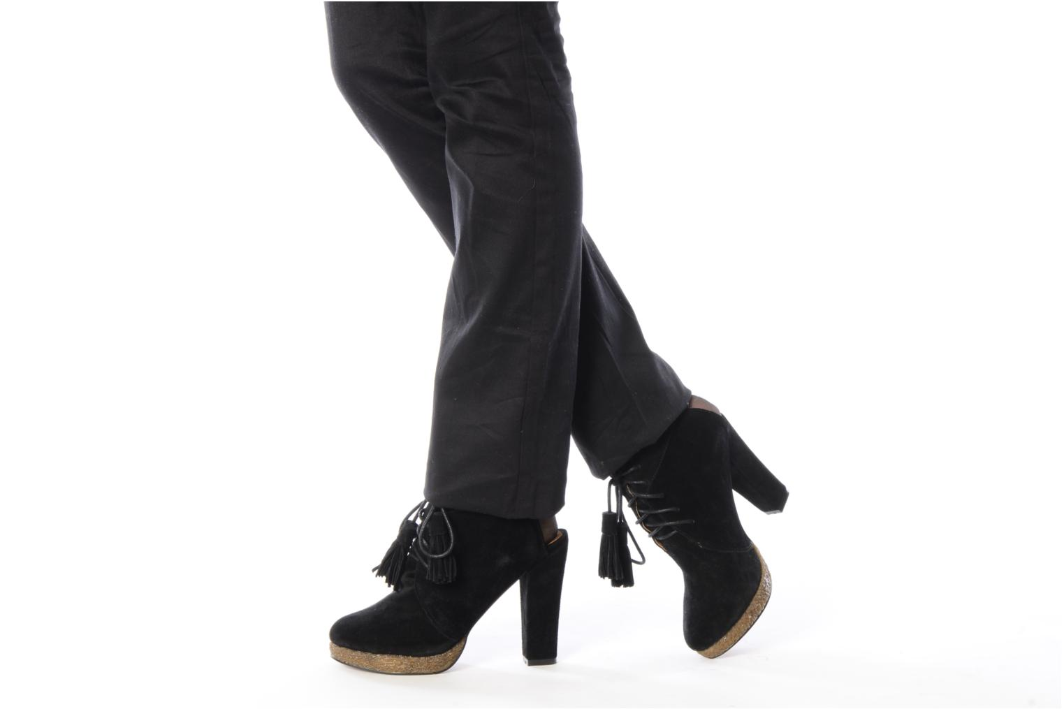 Ankle boots Friis & company Belinda Black view from underneath / model view