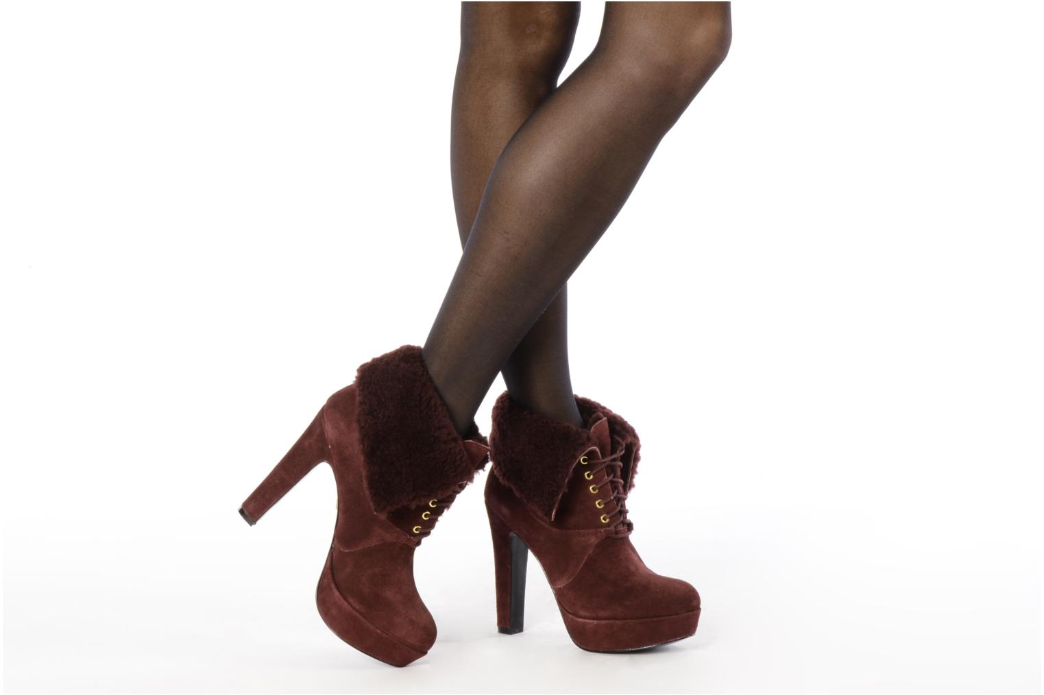 Ankle boots Pour La Victoire Aileen Burgundy view from underneath / model view