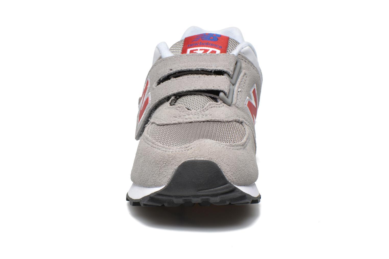 Sneaker New Balance Kv574NEI grau schuhe getragen