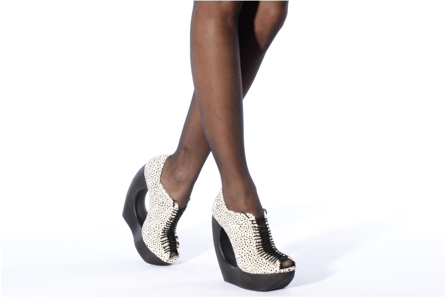 High heels Jeffrey Campbell Rocking Black view from underneath / model view
