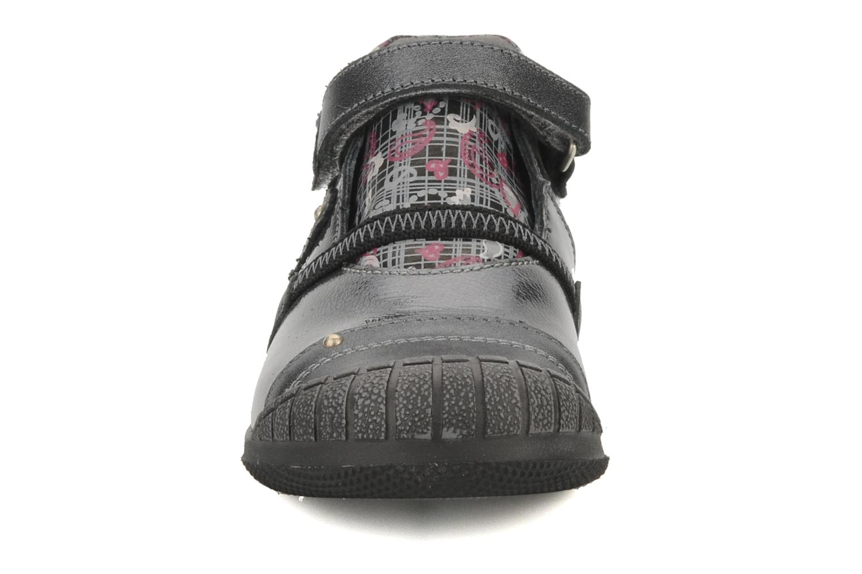 Chaussures à scratch GBB Kidgirl 201 Gris vue portées chaussures