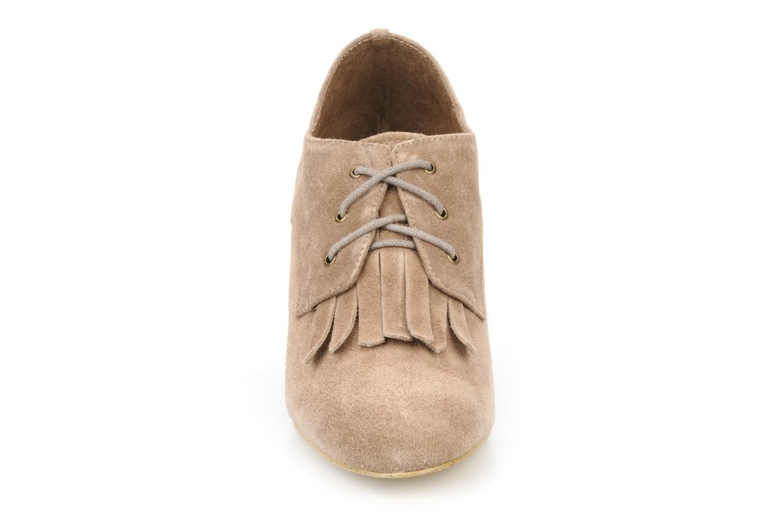 Chaussures à lacets Georgia Rose Azalea Beige vue portées chaussures