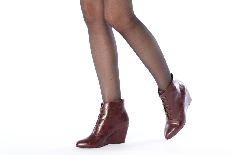 Bottines et boots Georgia Rose Nara Bordeaux vue bas / vue portée sac