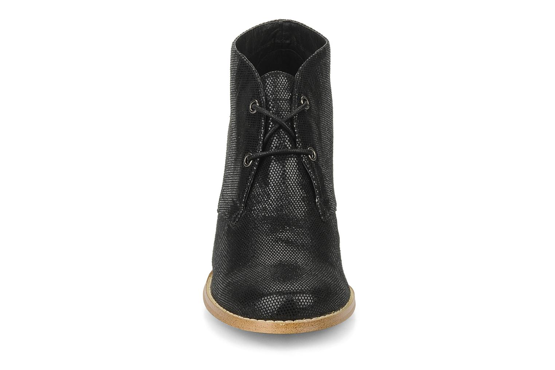 Zapatos con cordones Georgia Rose Itsaso Negro vista del modelo