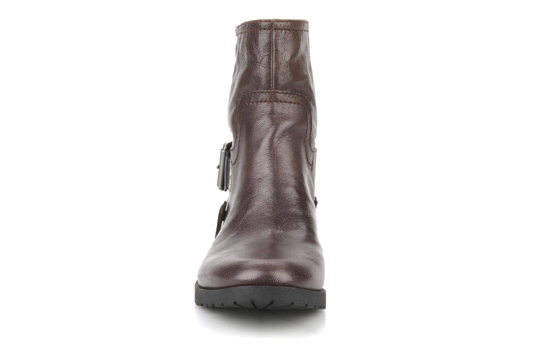 Bottines et boots Nine West Watery Marron vue portées chaussures