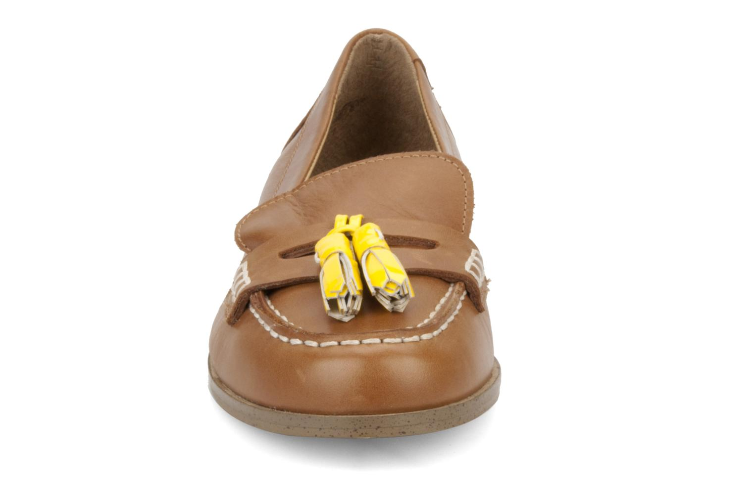 Loafers Mellow Yellow Kolage Brown model view