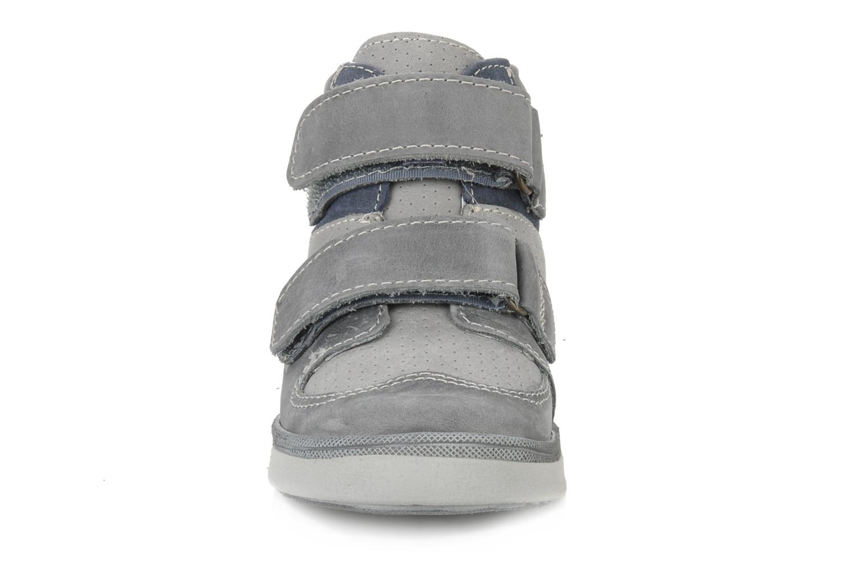 Chaussures à scratch Babybotte Ari Gris vue portées chaussures