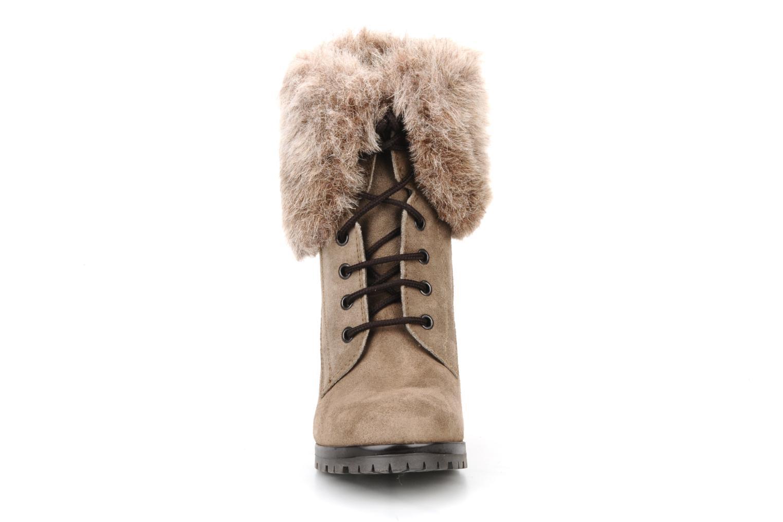 Bottines et boots Eden Cincilla Beige vue portées chaussures