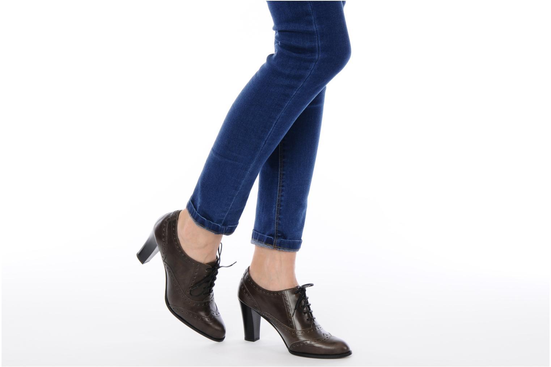 Chaussures à lacets Perlato Vitamine Marron vue bas / vue portée sac