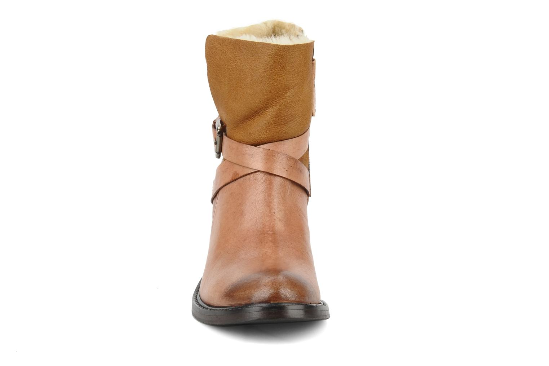 Bottines et boots Elizabeth Stuart Luz 682 Beige vue portées chaussures