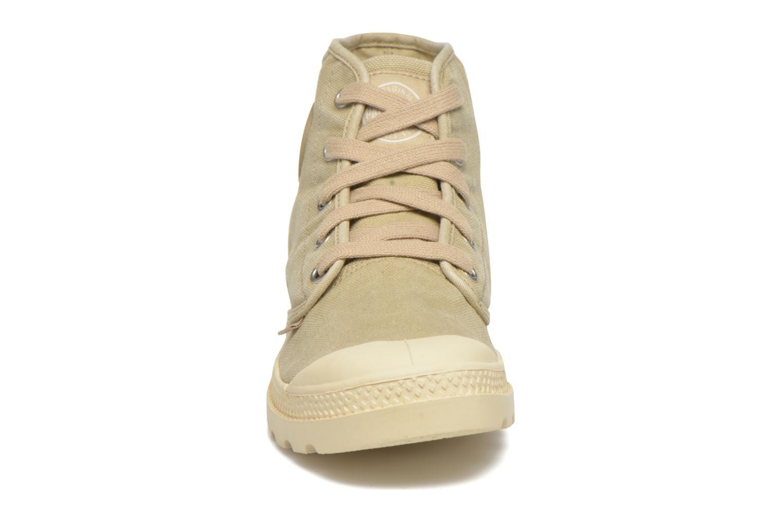 Baskets Palladium Us pampa hi w Beige vue portées chaussures