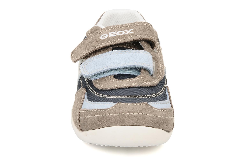 Sneakers Geox J charlie b Azzurro modello indossato
