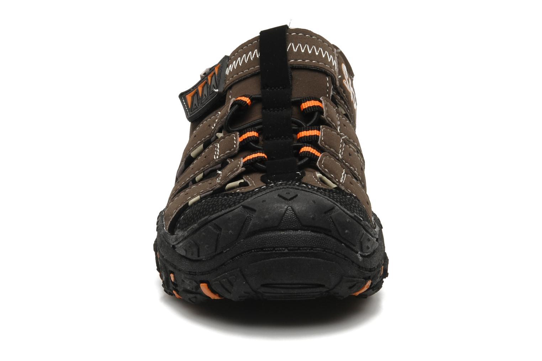 Sandalen Skechers Gripperz - 92380L braun schuhe getragen