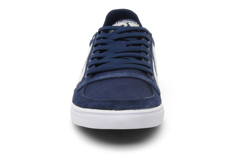 Baskets Hummel Slimmer Stadil Low Canvas Bleu vue portées chaussures