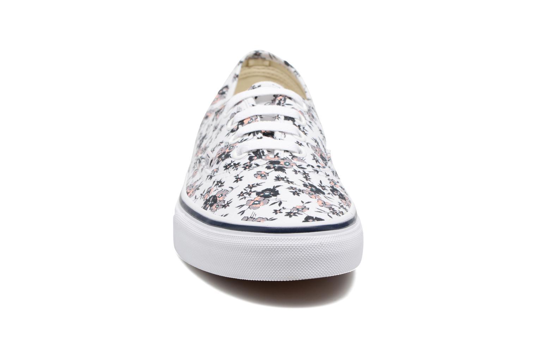 Sneaker Vans Authentic w weiß schuhe getragen