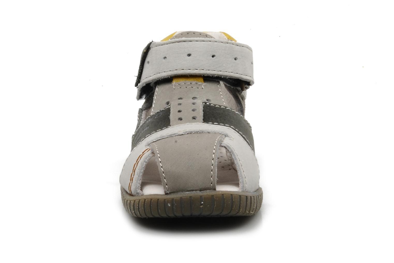 Sandales et nu-pieds Babybotte Tabarli Gris vue portées chaussures