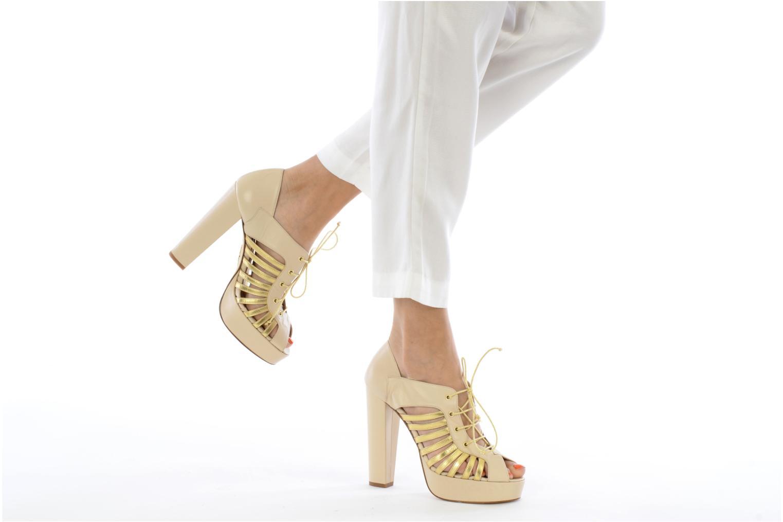High heels Terry de Havilland Jessie Bronze and Gold view from underneath / model view