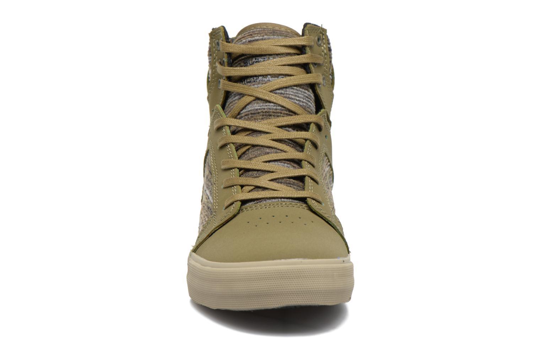 Sneaker Supra Skytop grün schuhe getragen