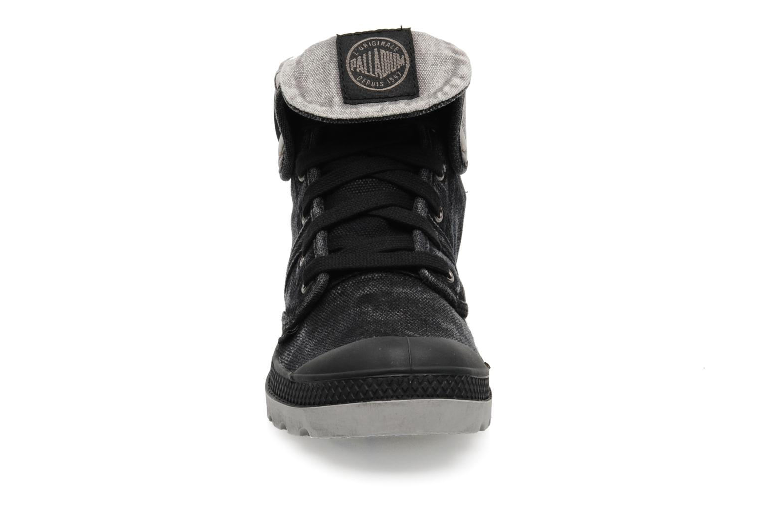 Trainers Palladium Us Baggy F Black model view