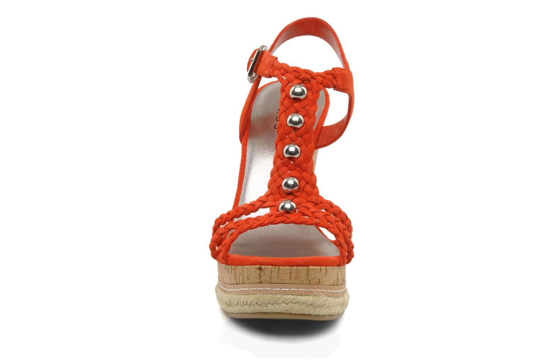 Sandales et nu-pieds Guess Reign Orange vue portées chaussures