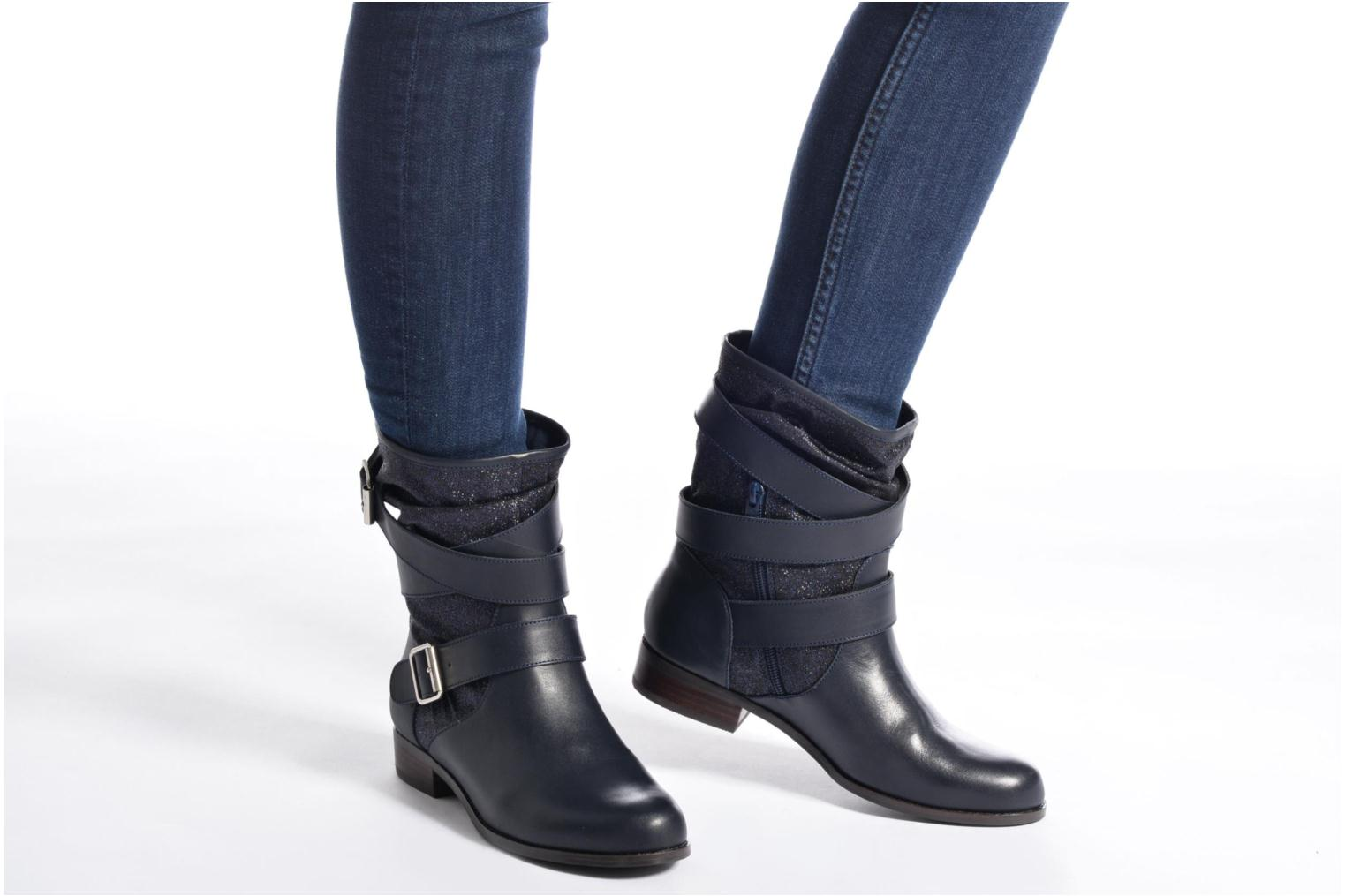 Ankle boots Mellow Yellow Badilla Black view from underneath / model view