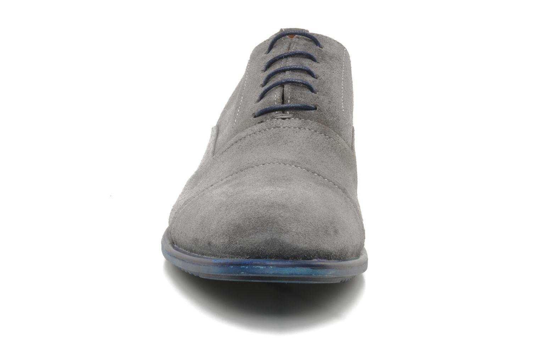 Scarpe con lacci Marvin&Co santiago Grigio modello indossato