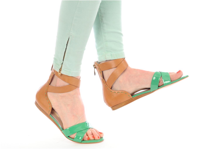 Sandalen Pour La Victoire Fabia grün ansicht von unten / tasche getragen