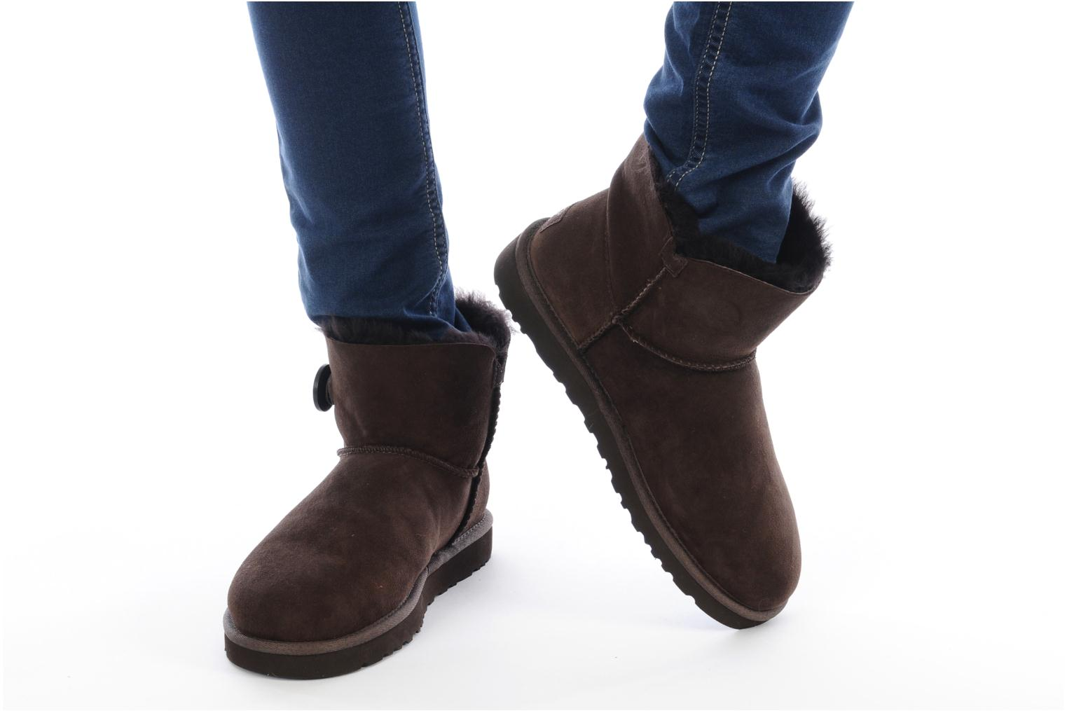 Ankle boots UGG Mini bailey button Black view from underneath / model view