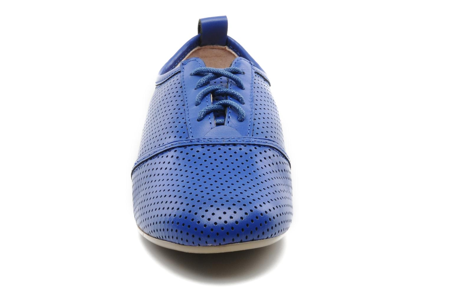 Lace-up shoes Mellow Yellow Lilas Blue model view