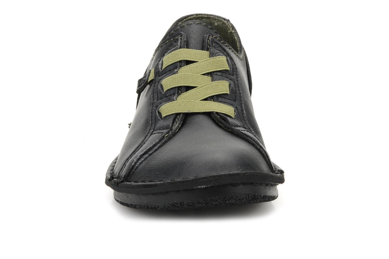 Baskets Kickers Watching Noir vue portées chaussures